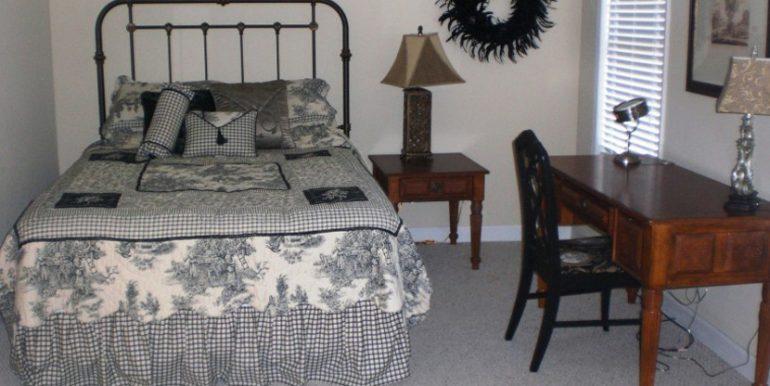 110-guest-bedroom-818x417