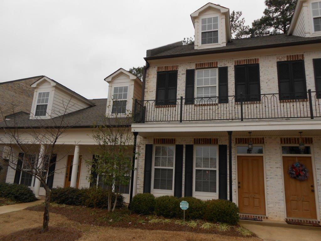 AVAILABLE AUGUST 2021 Rebel Realty offers rentals in Oxford Esplanade Ridge 2206 Anderson Road, #2502
