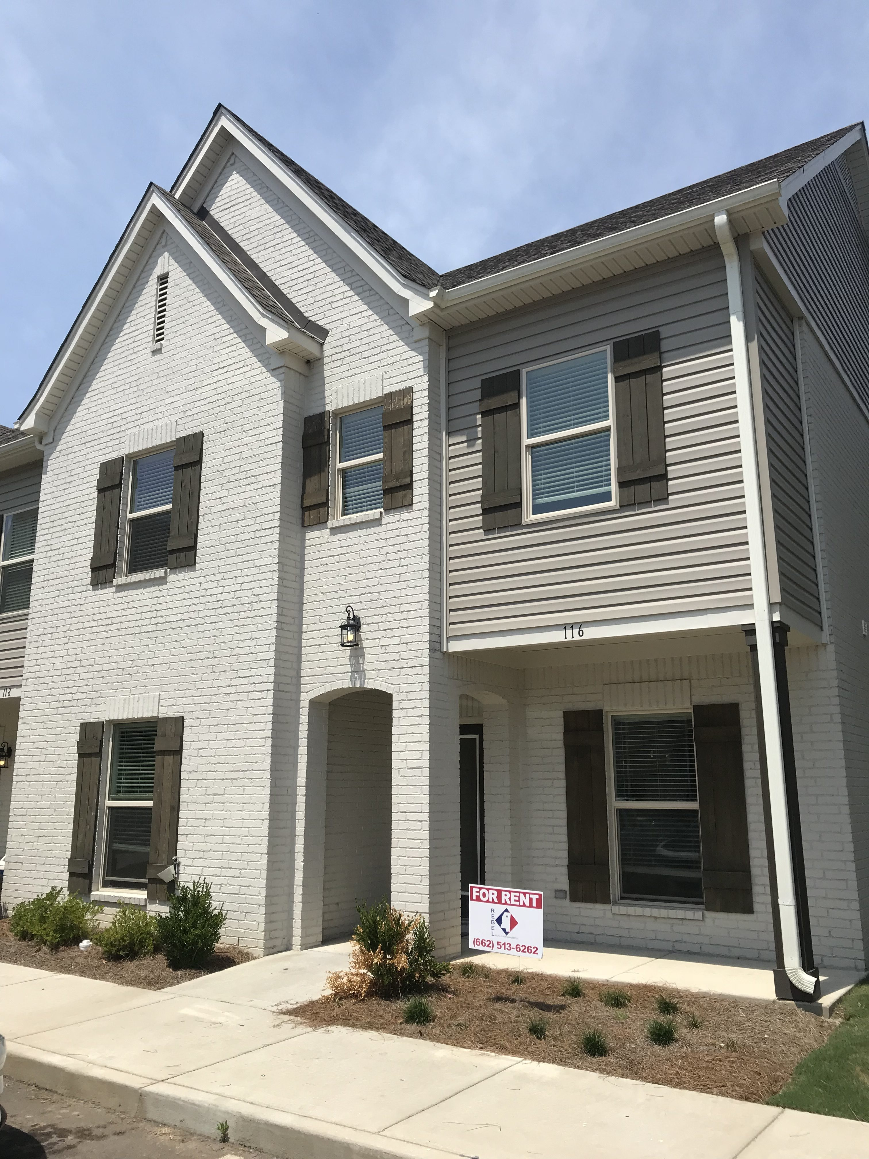116 Robbins Circle West End 4/4.5 Available JUNE 2021